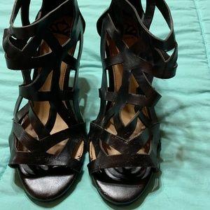 Black geometric sandals